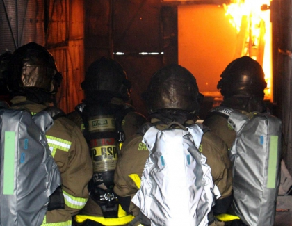 Protective Clothing with Sensors Warns Firefighters of Excessive Heat