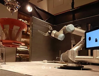 Robot Replaces Bartenders in Japanese Bar