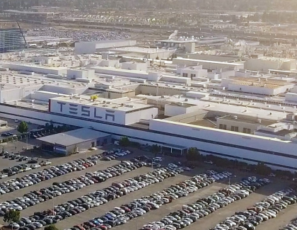Tesla Suspends Production at U.S. Car Factory