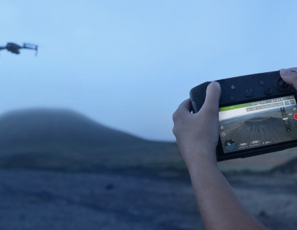 DJI Introduces A Smart Remote Controller With Built-In Display