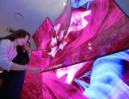 CES: LG Display's 88-inch 8K OLED Screen With In-display Sound