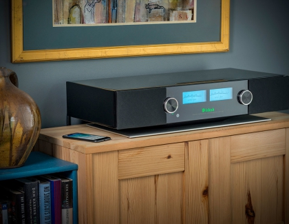 McIntosh RS200 Wireless Loudspeaker System Now Available