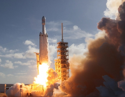 SpaceX to Launch Its First Commercial Falcon Heavy Rocket