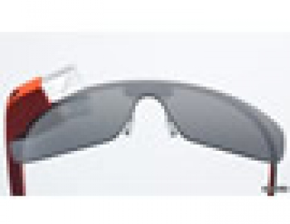 Updated Google Glass Allows Winking Snap Pictures