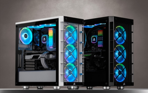 CORSAIR Launches the iCUE 465X RGB Smart Case