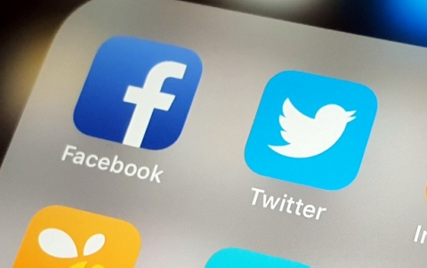 Russia Probes Facebook, Twitter Over User's Data