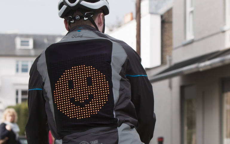 Ford's Emoji Jacket Helps People to Share The Road's Conditions