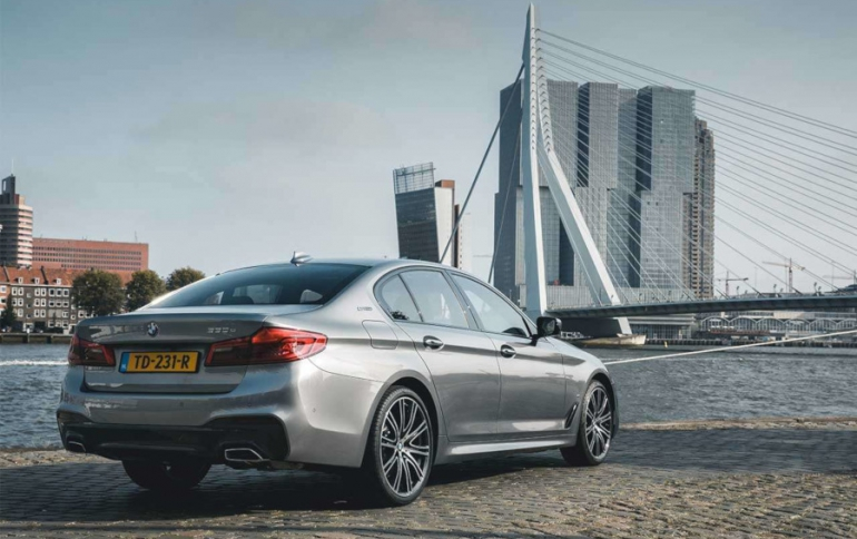 Tencent Teams Up With BMW on Self-Driving Cars in China