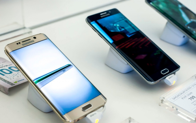 Smartphone Shipments Down 4.9 Pecrent in the Holiday Quarter