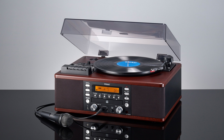 Teac LP-R560K Supports Recording of Vinyl Records and Cassette Tapes on CDs