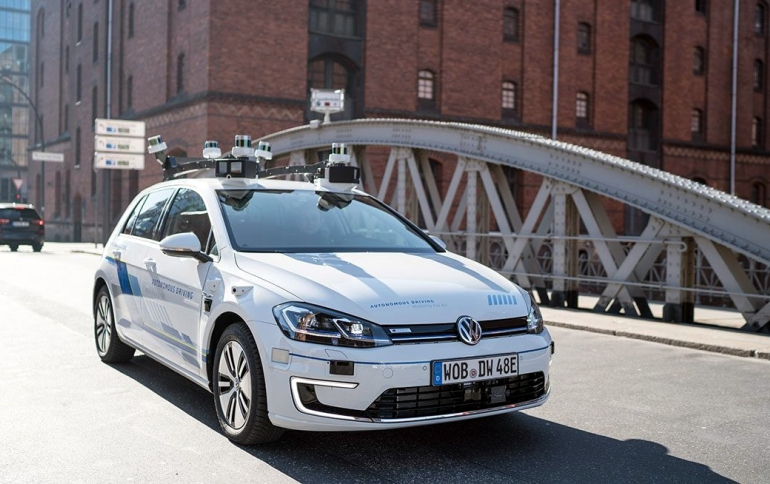 VW Starts Testing Self-Driving Golf in Hamburg