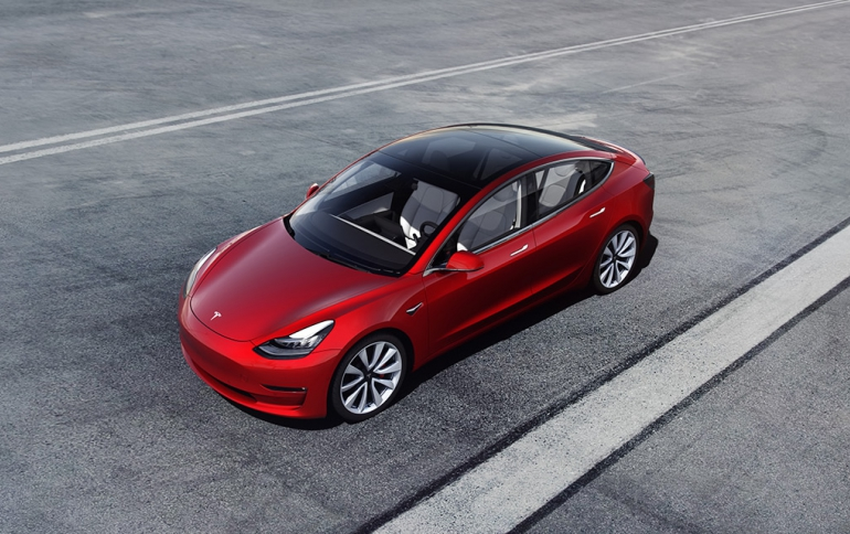 Tesla Unveils new $45,000 Model 3